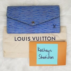 LOOKS NEW LOUIS VUITTON SARAH EPI DENIM WALLET